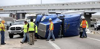 100 San Antonio Truck Accident Lawyer S Notorious Finesilver Curve Bedevils Trucks Defies