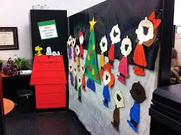 Funny Christmas Cubicle Decorating Ideas by Best 20 Christmas Cubicle Decorations Ideas On Pinterest Office