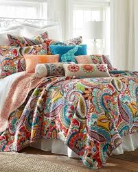 Paisley Luxury Quilt Collection