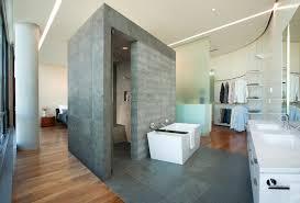 separation salle de bain 13 façons originales de séparer la chambre de la salle de bains