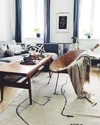 wohnzimmer im vintage look scandi eclectic decor