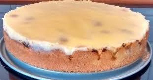 schneller rhabarberkuchen mit vanillepudding