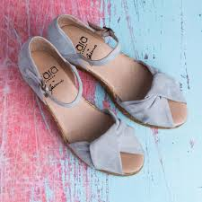 cara london giselle knotted peeptoe wedged espadrille in grey