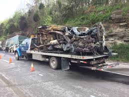 100 Semi Truck Accident On I 75 Fiery Crash Closes SB In Rockcastle County ABC 36 News