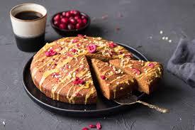 glutenfreier und veganer safran rührkuchen