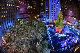 Rockefeller Christmas Tree Lighting Performers by Now Trending With Steve And Nina Performances For Rockefeller