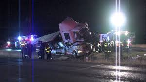 100 Tow Trucks San Antonio One Dead Two Injured After Tractor Trailer Rolls Over Onto Tow Truck