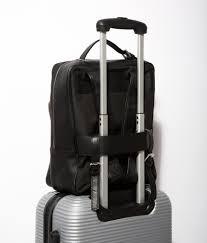 descubre la mochila najima la mochila de piel para portátil