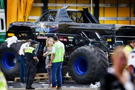 Tragedie Ved Stort Bil-show: To Dræbt Af Monster-trucks | BT Udland ... Monster Jam Trucks In Singapore Shaunchngcom Just Shy Of A Y Weekend Getaway Backdraft Truck Xtreme Sports Inc Pittsburgh Pa 21613 730pm Show Allmonster Explorejeffersonpacom Set For Today At Maple Grove Raceway Thrill Returns To Echternkamps Monster Truck Dream Close Fruition Heraldwhig Ride Stock Photos Images Carlisle Nationals 2013 Not Your Average 21513 Interview With Spiderman Kid Hurricane Force Festival 2017 Part