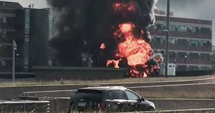 100 Truck Explosion Tanker Explosion Massive Fire Cut Off Part Of I75 In Detroit