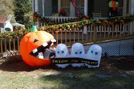 Halloween Blow Up Yard Decorations Canada by Inflatable Halloween Decorations