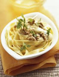 pates au thon moutarde recette tagliatelles miettes de thon et crème de moutarde
