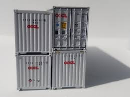 100 Shipping Containers 40 OOCL PHANTOM HIGH CUBE Containers With Magnetic System Corrugatedside JTC 5023