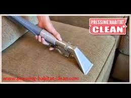 comment nettoyer canapé en tissu comment nettoyer un fauteuil ou canapé tissus taché de pipi de