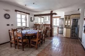 mediterrane villa klassische eleganz und rustikale details