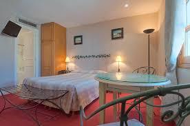 hotel avec service en chambre hôtel avec chambres avec vue sur notre dame de suites avec