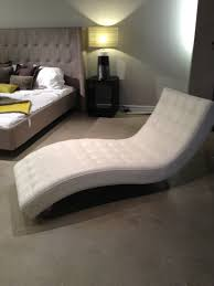 100 Bedroom Chaise Lounge Chair Minimalist White Leather With Tufted And Curved