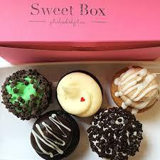100 Cupcake Food Truck Sweet Box S