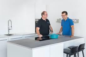 küche multiplex fronten weiß beton nr küchen showroom