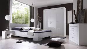 chambre a coucher blanc chambre a coucher blanche moderne chambre coucher moderne en