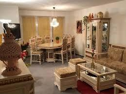 orientalisch tisch stühle schrank sofa wohnzimmer