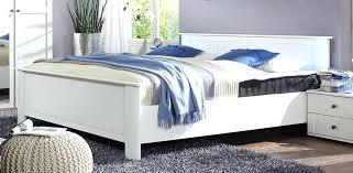 chambre bois blanc lit blanc moderne lit couleur bois blanc pour chambre du002639adulte