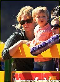 Underwood Farms Pumpkin Patch Hours by January Jones Hits The Pumpkin Patch With Xander Photo 2975540