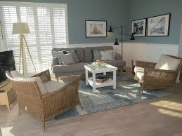 wohnzimmer ferienwohnung maritim shutters sofa ikea