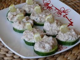 recette canapé recette canapés de concombre à la mousse de thon