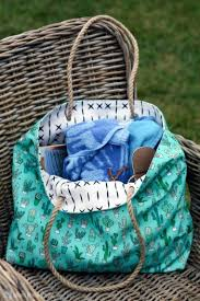 DIY Beach Tote Bag Crafts To Make And Sell On Etsy 14