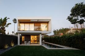 100 Griffin Enright Architects Venice Beach Spec Home Appears To Float Above The Ground