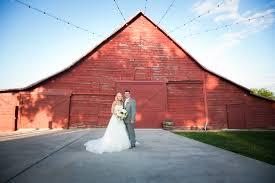 Barn Wedding Venue Dallas Rustic Grace Estate How To Make A Wooden Headboard Small