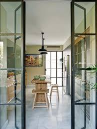 offene küche wohnzimmer abtrennen harmonikatür glas