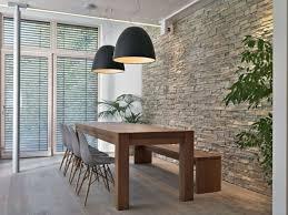moderne esszimmerideen massivholzmöbel sitzbank steinwand