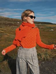 Annabel Rosendahl In Our Cable Knit Cashmere Sweater Arlberg And Scarf Harvard