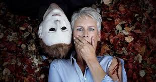 Halloween 2 Remake Cast by Michael Myers U0026 Jamie Lee Curtis Cozy Up In New Halloween Photo