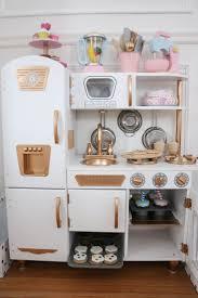 Hape Kitchen Set Nz by Best 25 Kidkraft Vintage Kitchen Ideas Only On Pinterest Pink