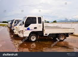 100 Isuzu Mini Truck S Heads Park On Wet Stock Photo Edit Now 1162326394