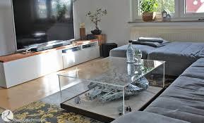 kreativ oder primitiv couchtisch vitrine schaukasten