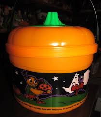 Mcdonalds Halloween Buckets by Goodwill Hunting 4 Geeks Countdown To Halloween Day 30 The Very