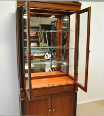 lighted cabinet new lighted glass display cabinet edgarpoe