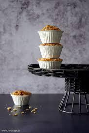 buttermilch mandel muffins mit knuspriger mandelhaube
