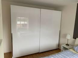 großer schlafzimmerschrank weiß hochglänzend