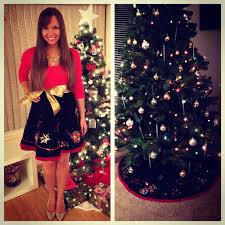 Instead Of A Sweater Wear Christmas Tree Skirt As To An Ugly Party