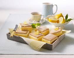 frischer zitronenkuchen mit butterkeksen