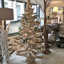 Driftwood Christmas Trees by Part 2 How To Decorate Your Christmas Tree With Ornaments And