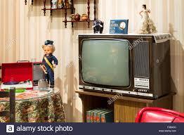 vintage tv wohnzimmer der 70er jahre stockfotografie alamy