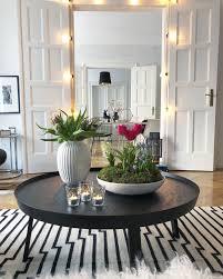 frühling im wohnzimmer couchtische dekorieren dekorieren