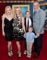 Mom Takes Candy From Kids by Reese Witherspoon And Matthew Mcconaughey With Their Kids People Com