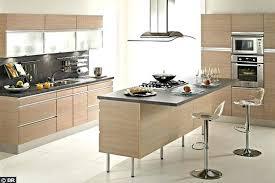 ilot bar cuisine cuisine ilot bar une cuisine avec lot central c t maison modele
